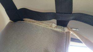 Сумка чехол крепится к сетке и может использоваться как самостоятельная сумка