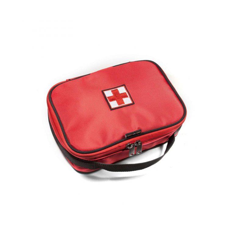 Аптечка автомобильная среднего размера красного цвета с нашивкой2