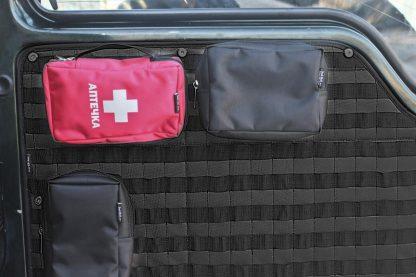 панель MOLLE-PALS вместо обшивки двери багажника LandRover Discovery 1